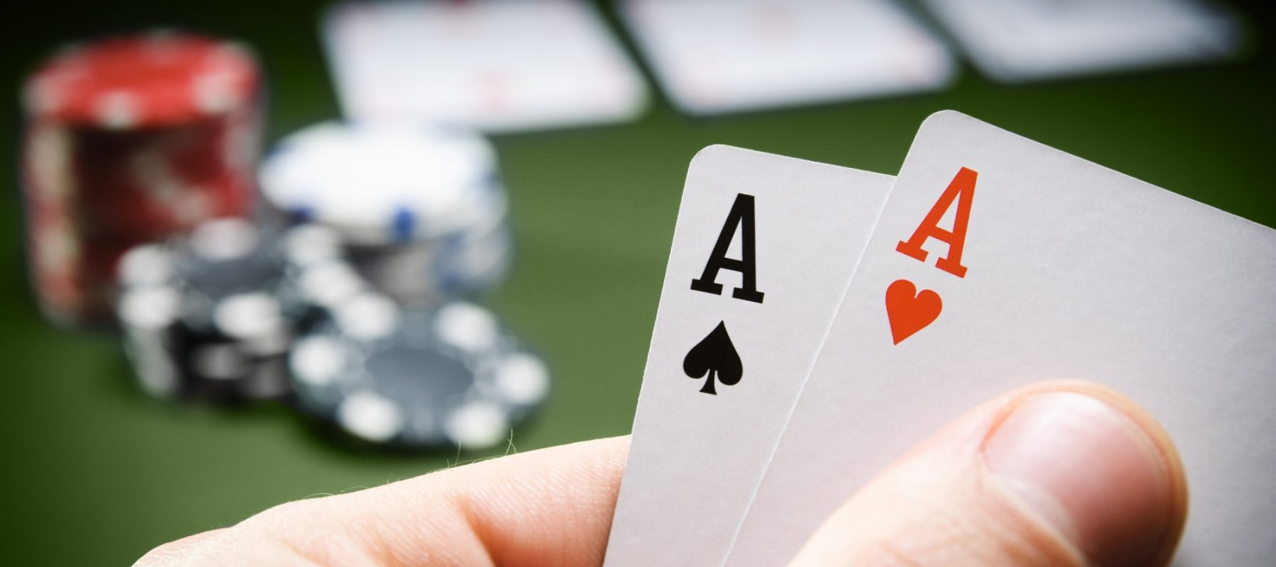play different online casino games